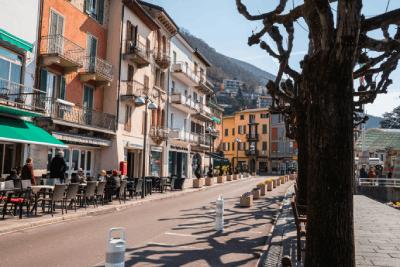 Casinó Di Campione street